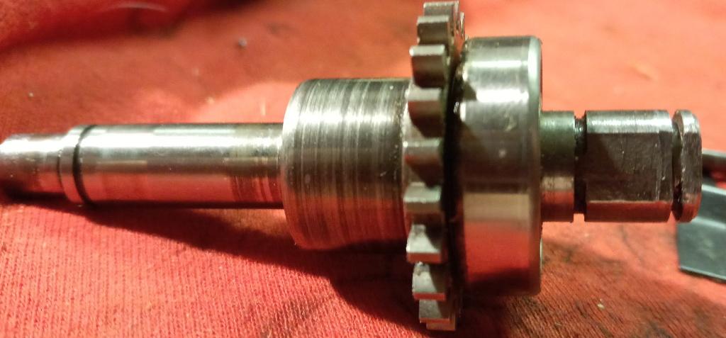 Elektricka Pila Vari 2300 W